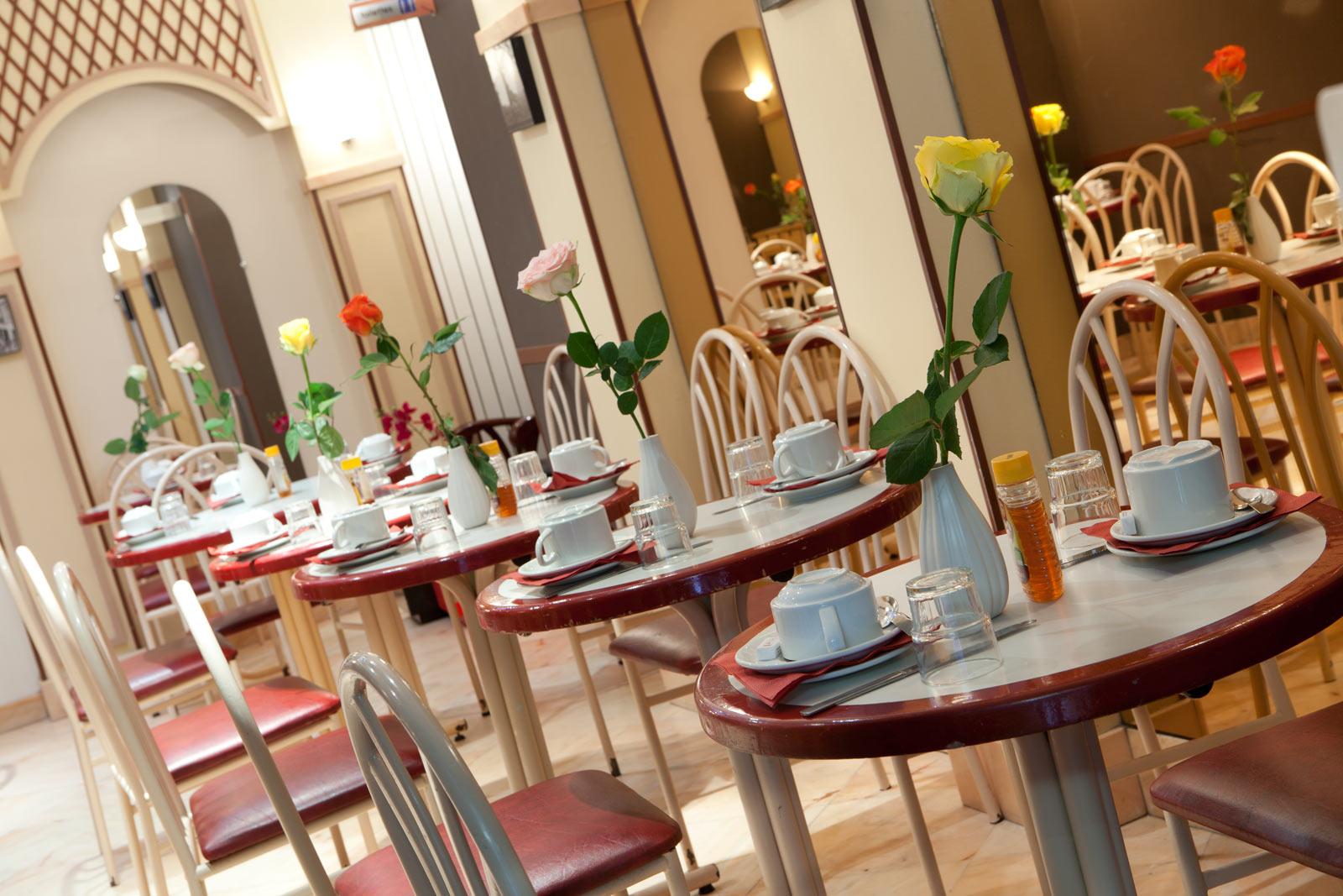 Grand Hotel Pigalle Caf Ef Bf Bd