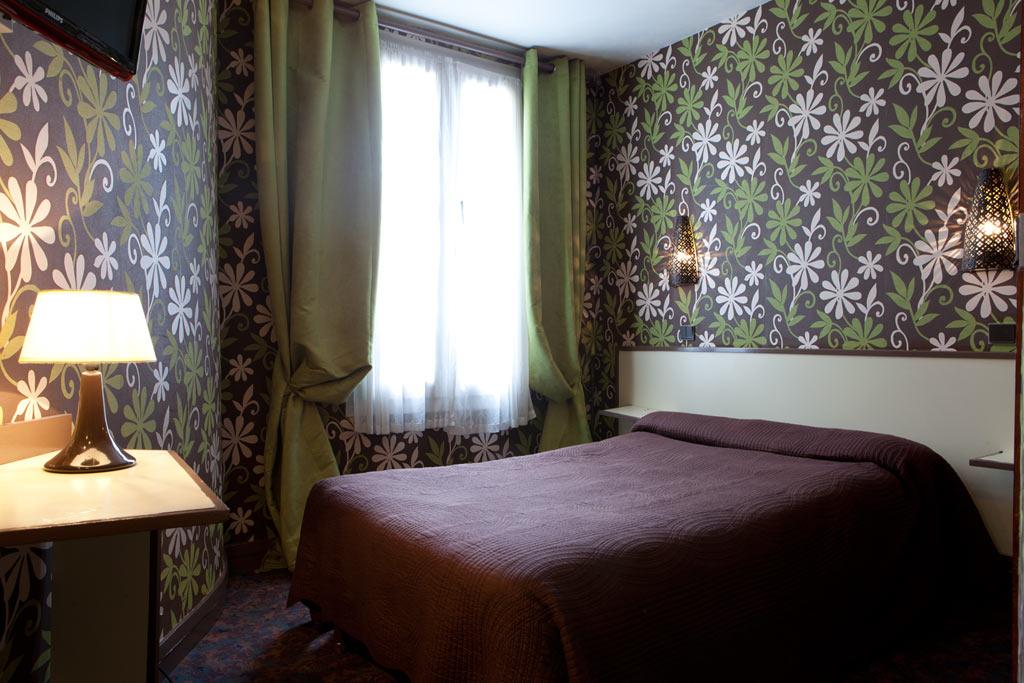 h tel familial grandes chambres paris grand h tel de paris site officiel. Black Bedroom Furniture Sets. Home Design Ideas